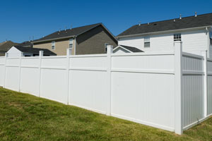 Vinyl fence installation in Pittsburgh